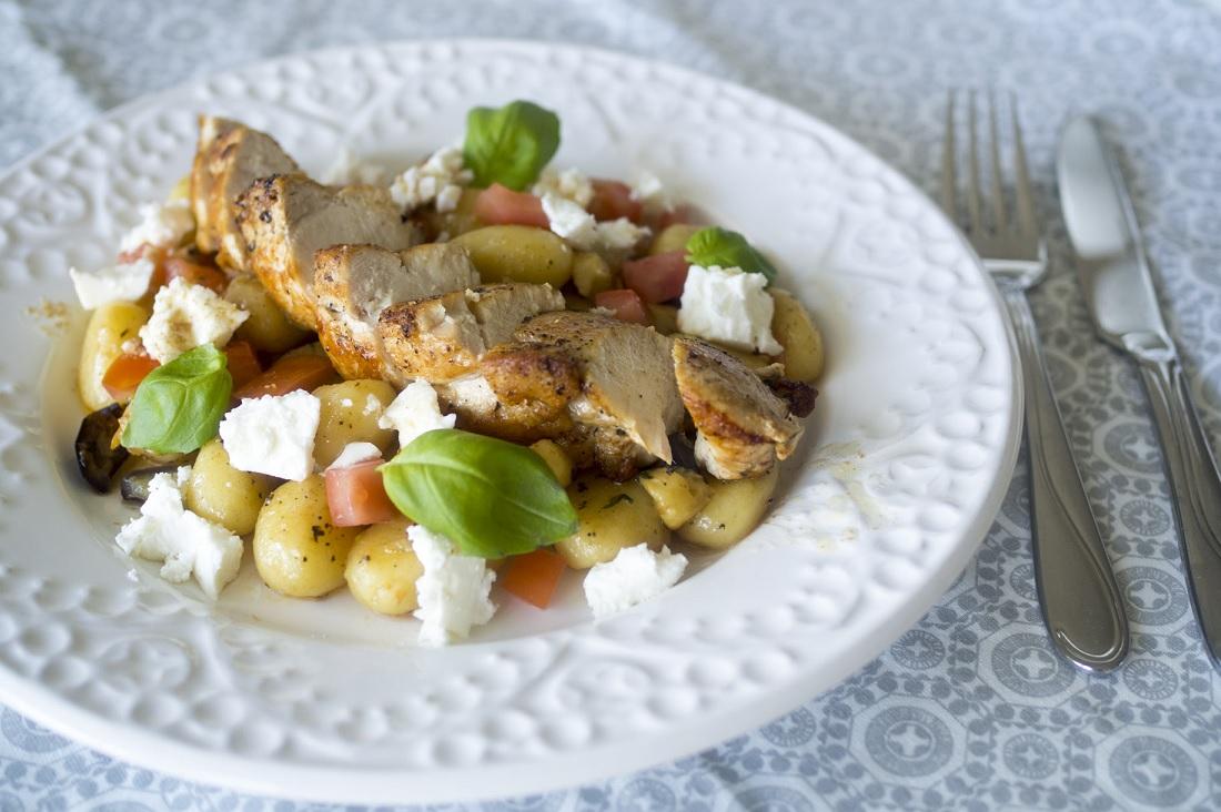 Basilikagnocchi med kyckling och brynt citronsmör